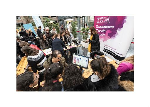 Numeriqu'elles : sensibilisation des lycéennes aux métiers du numérique